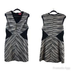 Betsey Johnson size 10 body-con black& White